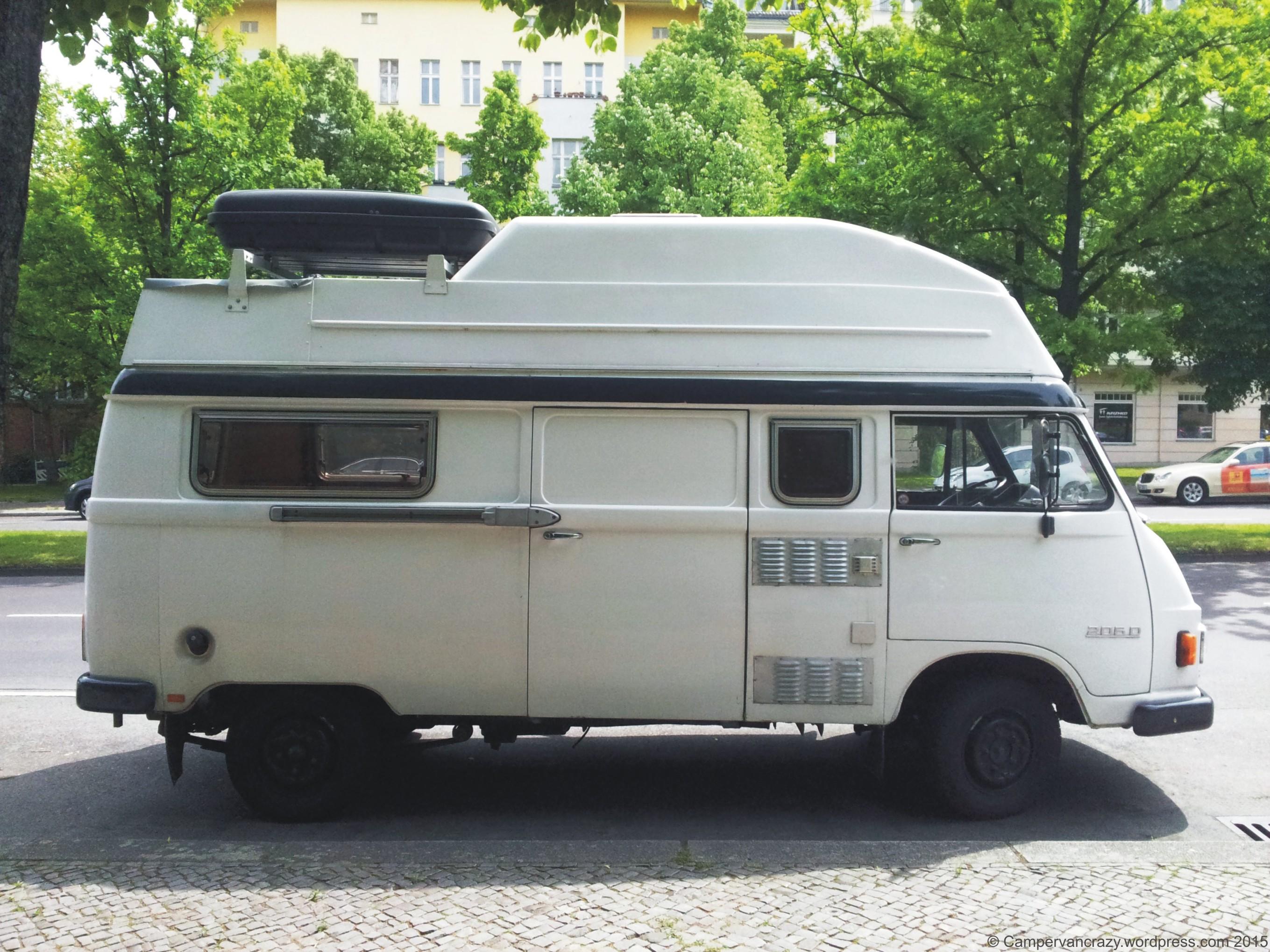 Mercedes benz campervan crazy for Mercedes benz camper